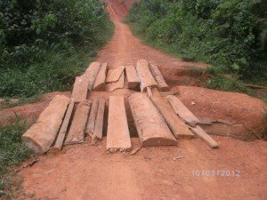 pont-deteriore-piste-rurale-nkoloboudou-omvang1-300x225